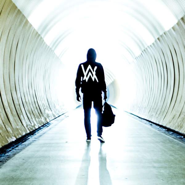 Скачать бесплатно alan walker fade в mp3 слушать музыку онлайн.