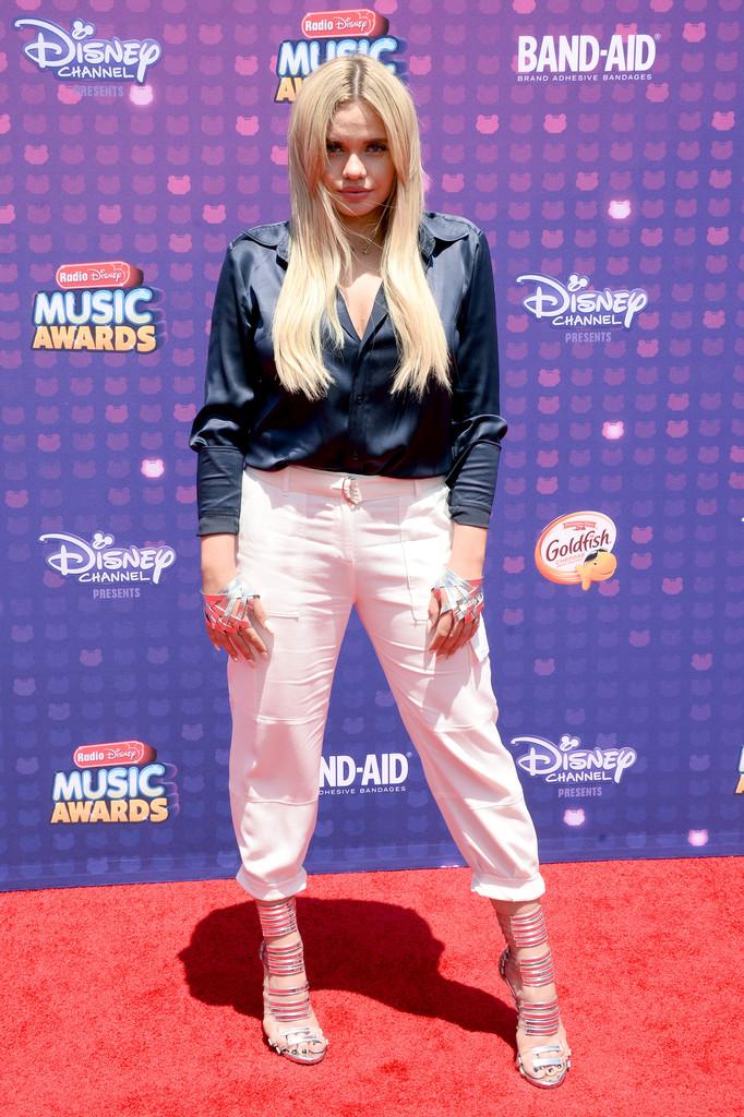 "Alli Simpson - В Лос-Анджелесе прошла премия ""Radio Disney Music Awards 2016"""