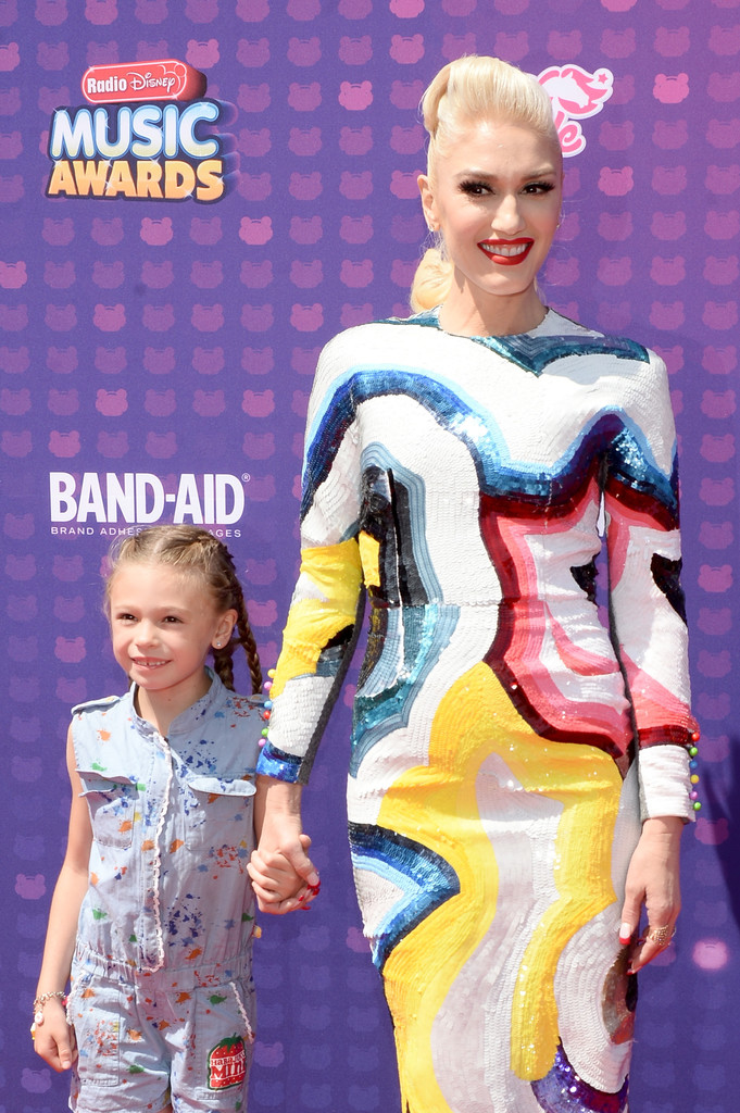 "Gwen Stefani - В Лос-Анджелесе прошла премия ""Radio Disney Music Awards 2016"""