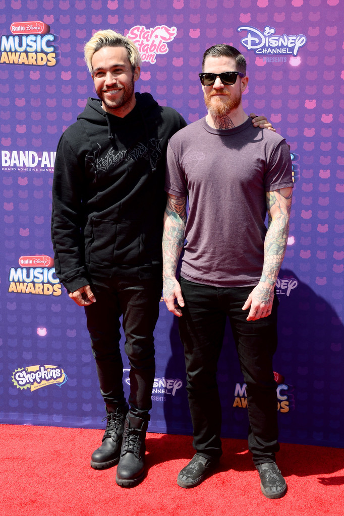 "Pete Wentz and Andy Hurley of Fall Out Boy - В Лос-Анджелесе прошла премия ""Radio Disney Music Awards 2016"""