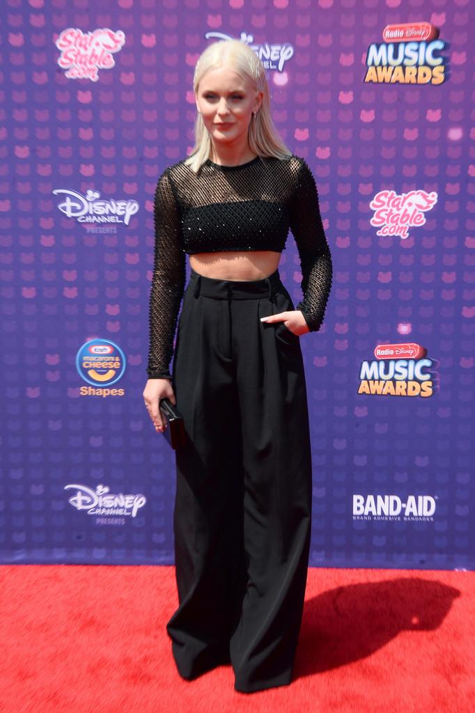 "Zara Larsson - В Лос-Анджелесе прошла премия ""Radio Disney Music Awards 2016"""