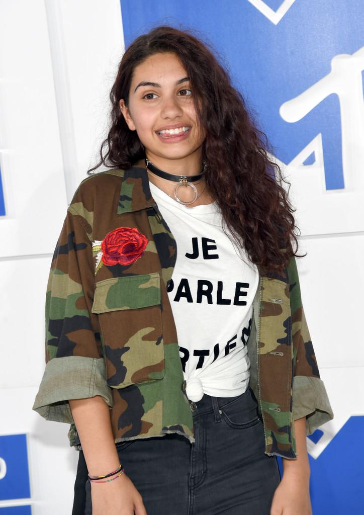 Alessia Cara - MTV Video Music Awards 2016: Фотографии