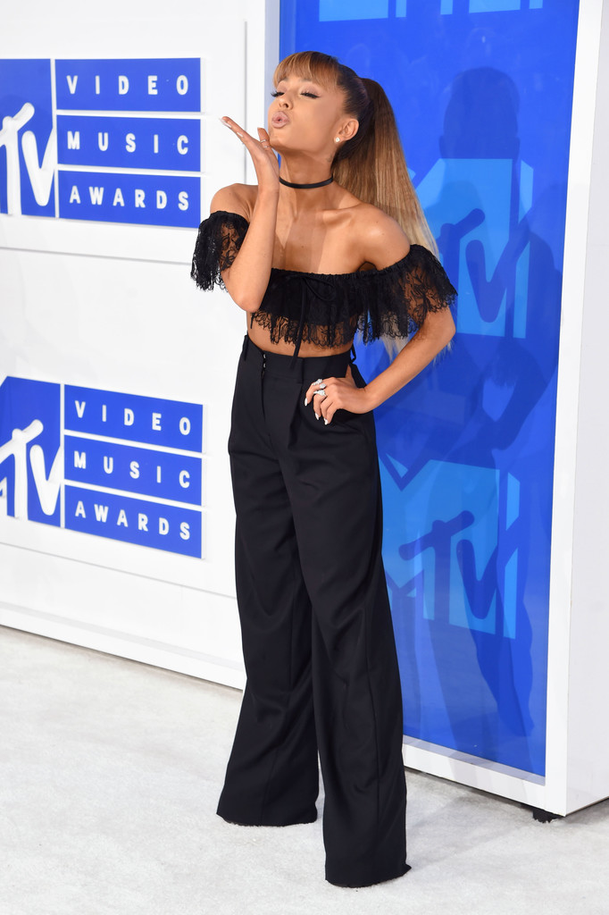Ariana Grande 2 - MTV Video Music Awards 2016: Фотографии