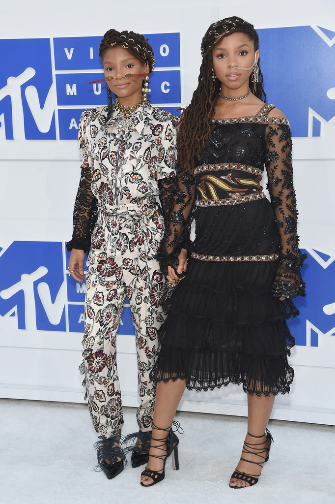 Chloe and Halle - MTV Video Music Awards 2016: Фотографии