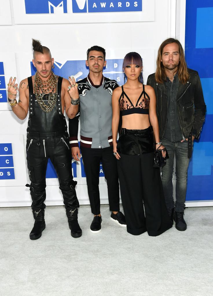 DNCE - MTV Video Music Awards 2016: Фотографии
