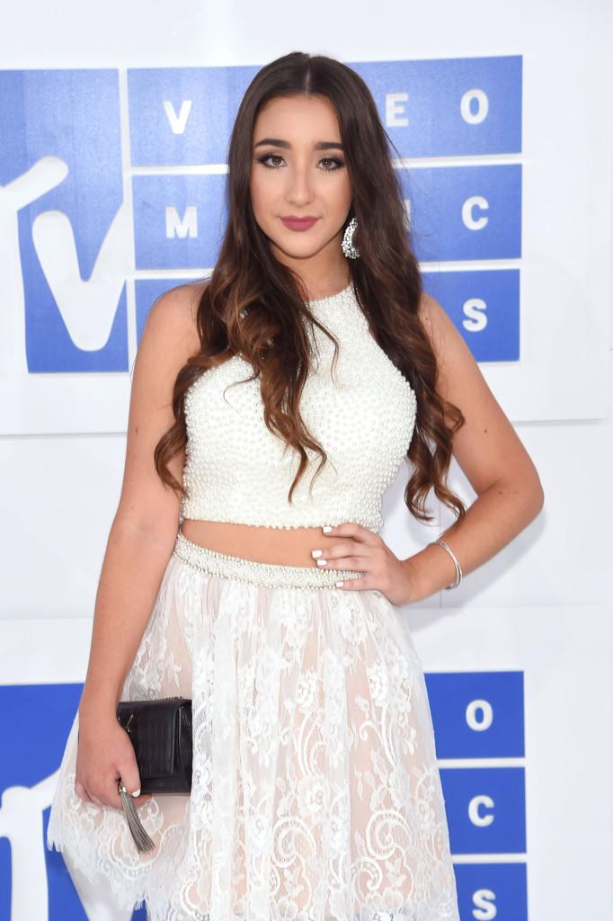 Ellie Soufi - MTV Video Music Awards 2016: Фотографии