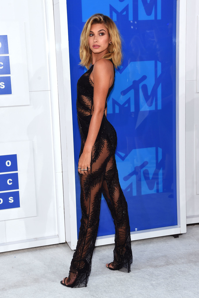 Hailey Baldwin - MTV Video Music Awards 2016: Фотографии