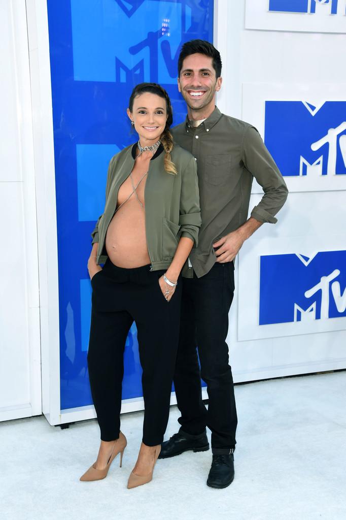 Nev Schulman and Laura Perlongo - MTV Video Music Awards 2016: Фотографии