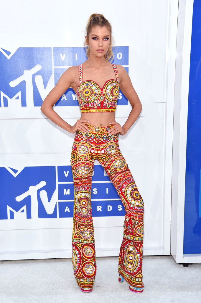 Stella Maxwell - MTV Video Music Awards 2016: Фотографии