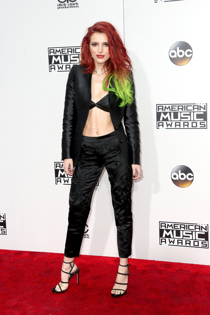 Bella Thorne - American Music Awards 2016: фотографии