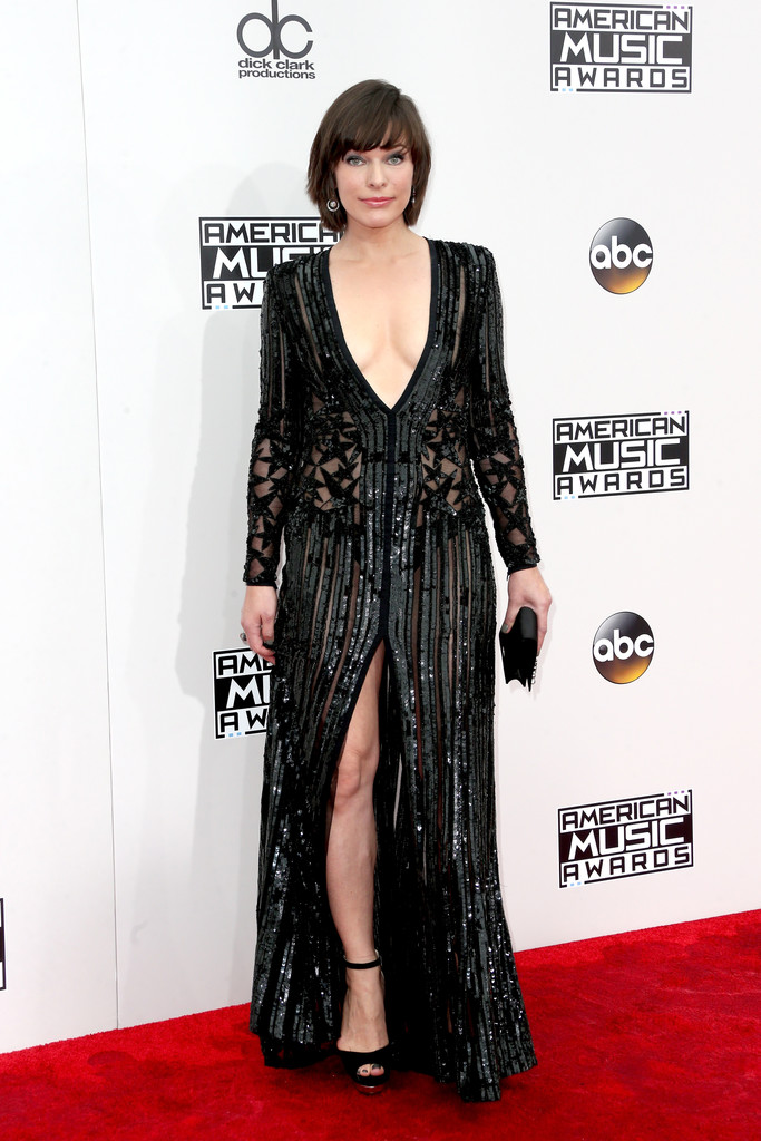 Milla Jovovich - American Music Awards 2016: фотографии