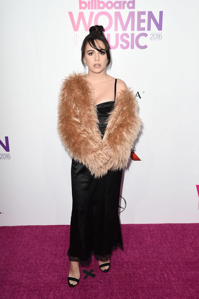Bea Miller - Billboard вручил награды лучшим женщинам 2016 года