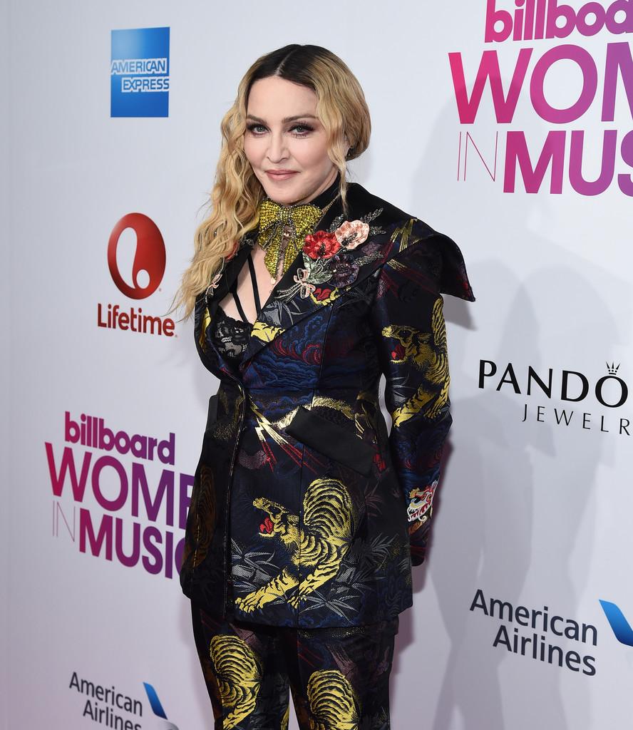 Madonna 1 - Billboard вручил награды лучшим женщинам 2016 года