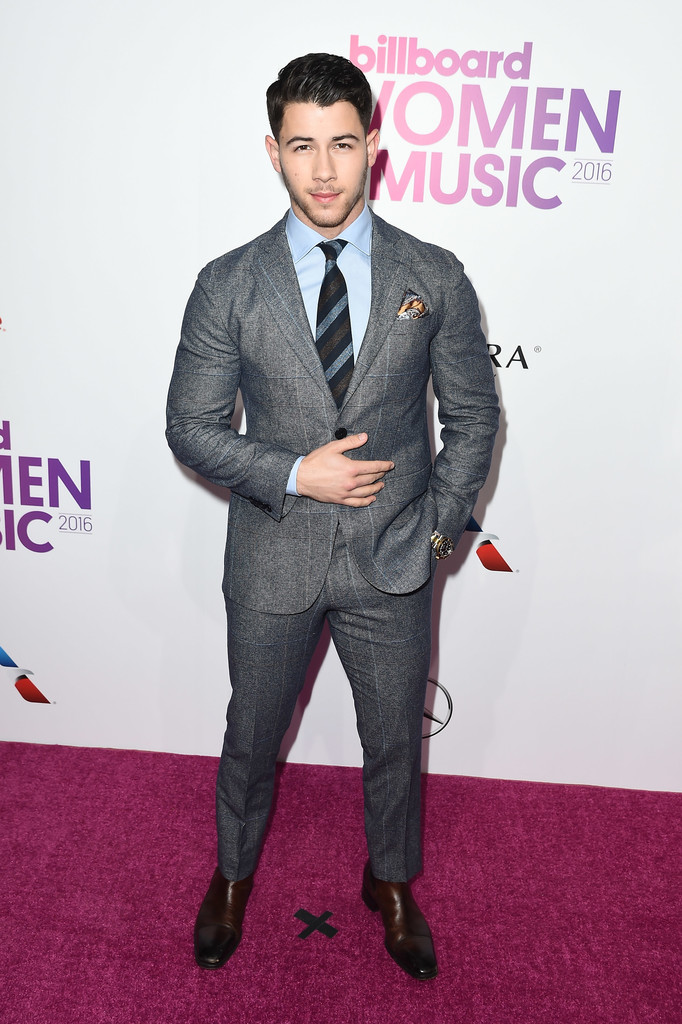 Nick Jonas - Billboard вручил награды лучшим женщинам 2016 года
