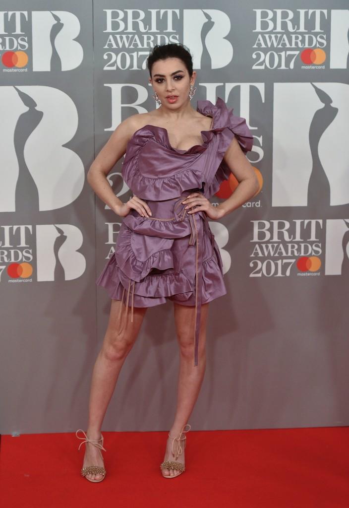 Charli XCX 1 - BRIT Awards 2017: фотографии