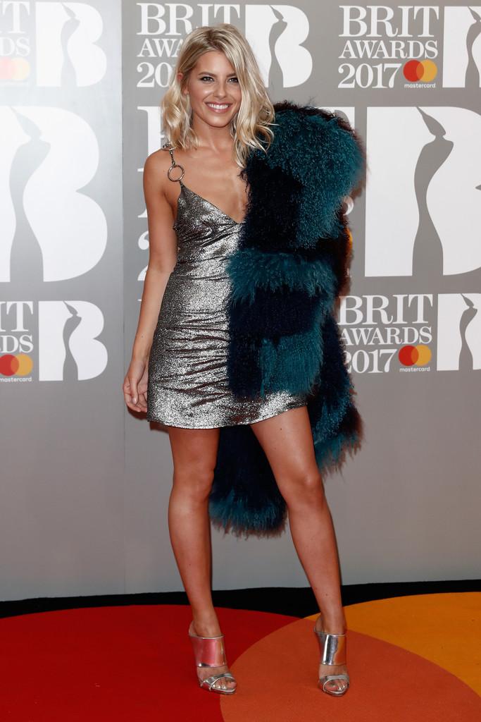 Mollie King - BRIT Awards 2017: фотографии