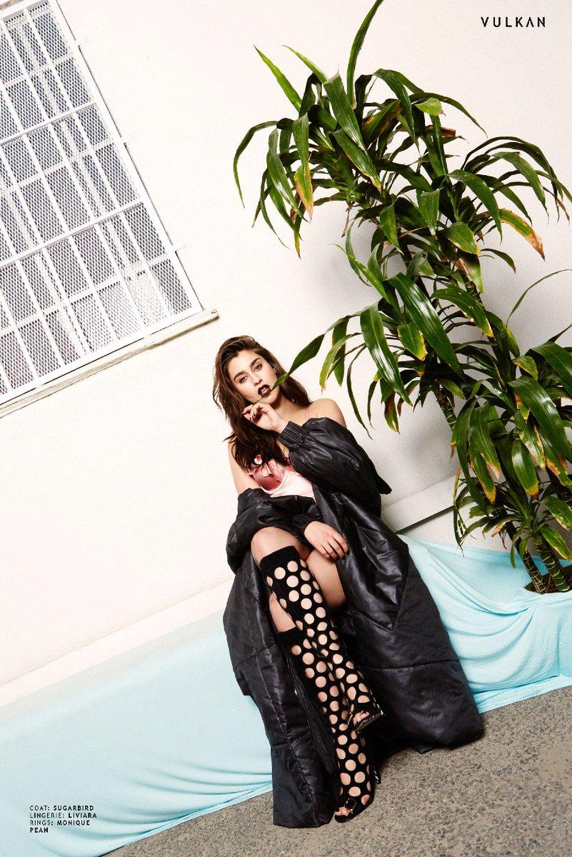 Lauren Jauregui VULKAN 3 - Фото: Лорен Хурэги для журнала VULKAN