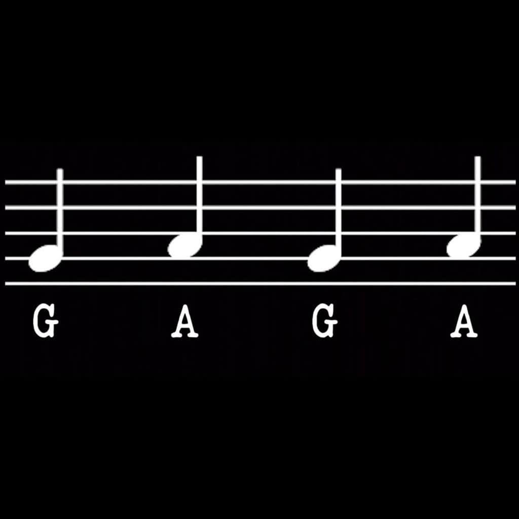 Леди Гага обновила профили в социальных сетях