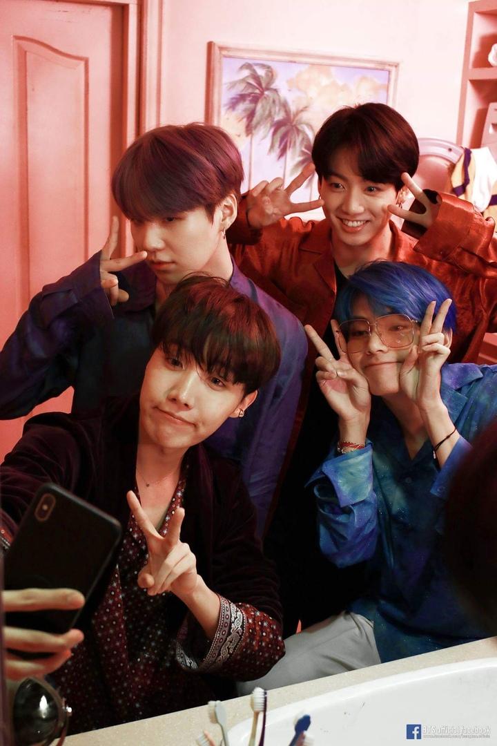 "Промо-фото BTS к мини-альбому ""Map of the Soul: Persona"""