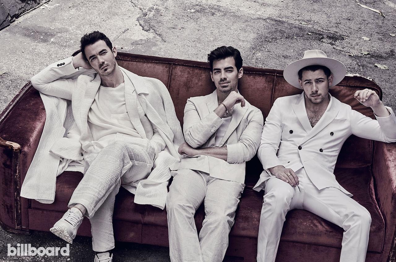 Фото: Jonas Brothers на обложке Billboard
