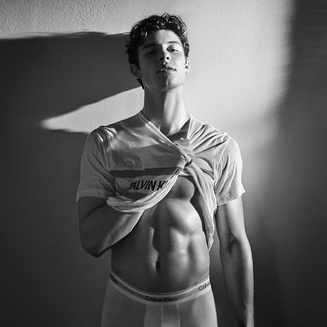 Фото: Шон Мендес для «Calvin Klein»