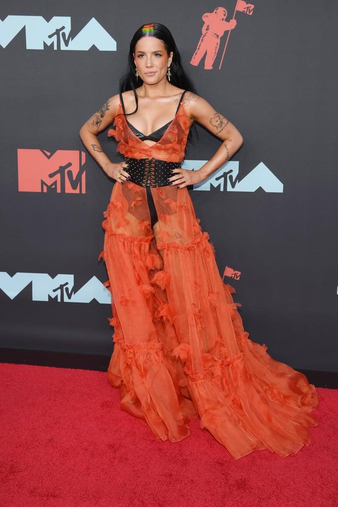 MTV VMA 2019 Halsey - MTV Video Music Awards 2019: лучшие и худшие наряды (16 фото)