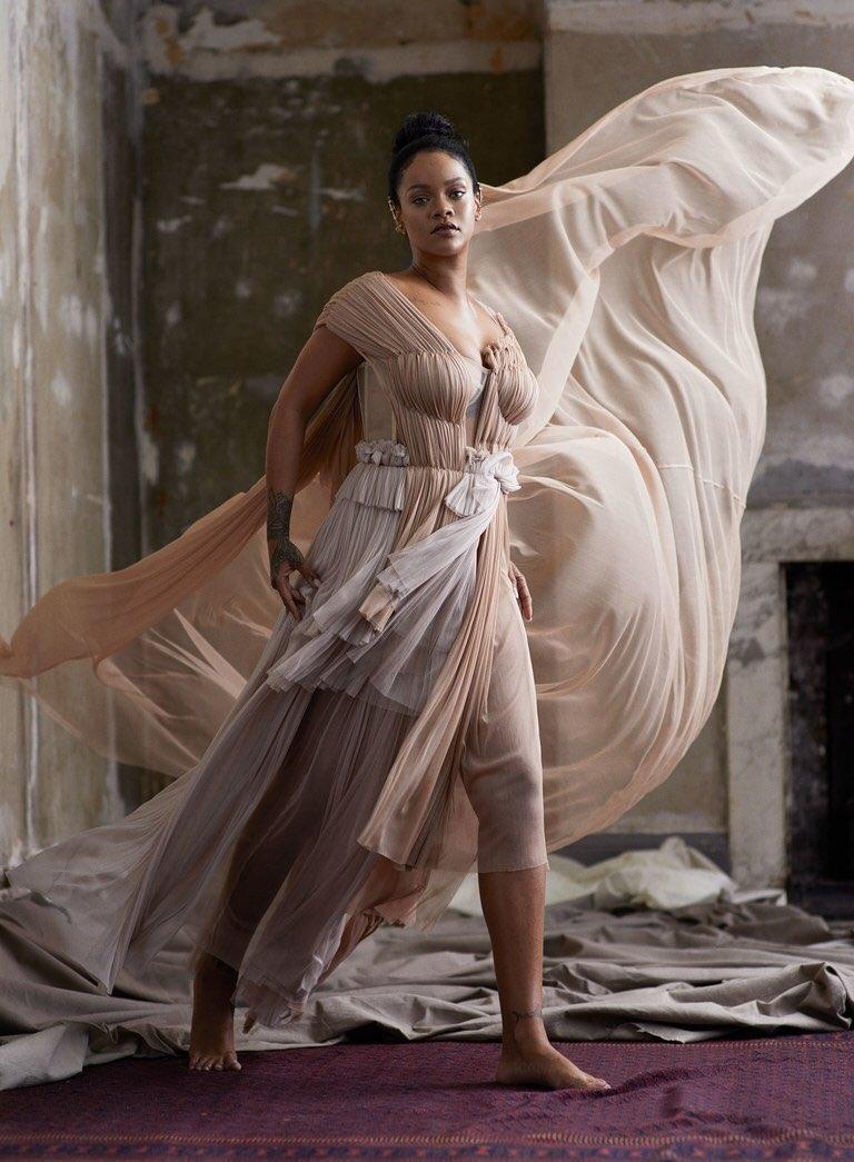 Фото: Рианна на обложке Vogue