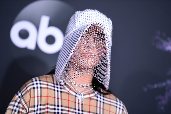 Billie Eilish 2 2019AmericanMusicAwards - American Music Awards 2019: Фотографии с красной дорожки