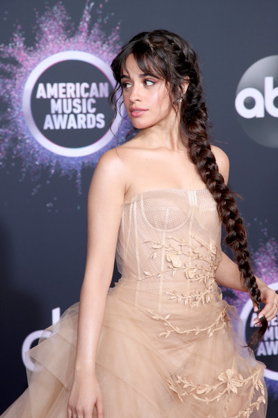 Camila Cabello 2 2019AmericanMusicAwards - American Music Awards 2019: Фотографии с красной дорожки