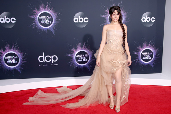 Camila Cabello 2019AmericanMusicAwards - American Music Awards 2019: Фотографии с красной дорожки