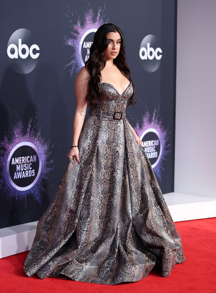 Lauren Jauregui 2019AmericanMusicAwards - American Music Awards 2019: Фотографии с красной дорожки