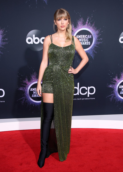 Taylor Swift 2019AmericanMusicAwards - American Music Awards 2019: Фотографии с красной дорожки