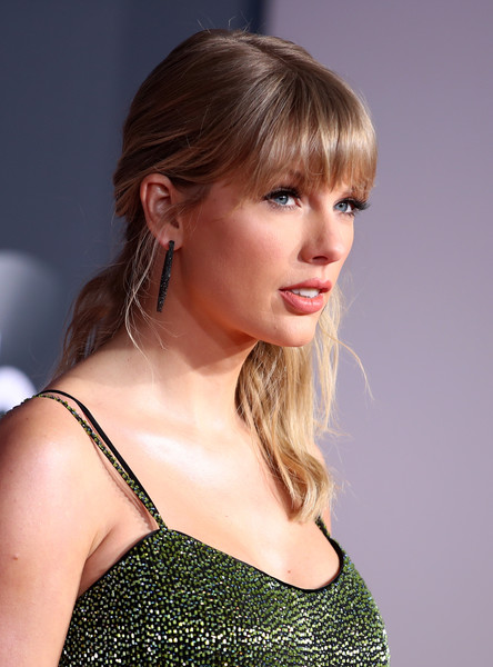 Taylor Swift 3 2019AmericanMusicAwards - American Music Awards 2019: Фотографии с красной дорожки