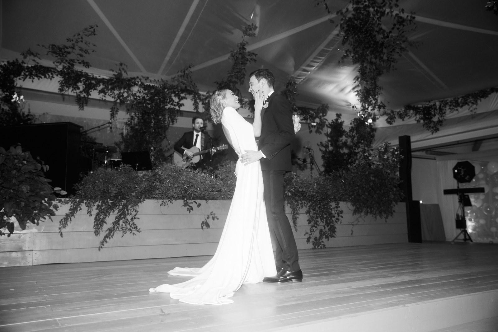 Фотографии со свадьбы Хилари Дафф и Мэттью Комы
