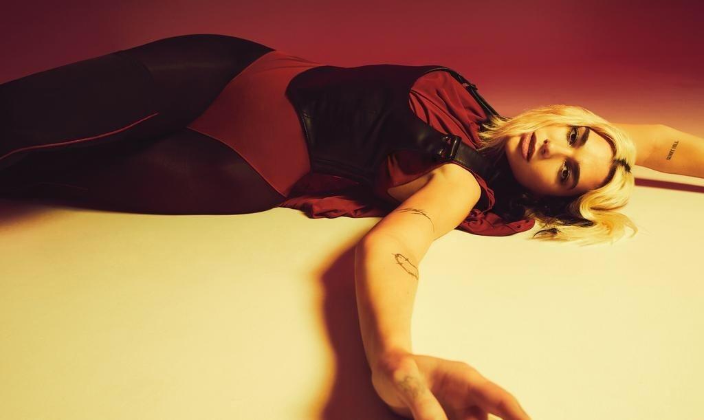 Dua Lipa Vogue Australia 1 - Фото: Дуа Липа на обложке австралийского «Vogue»