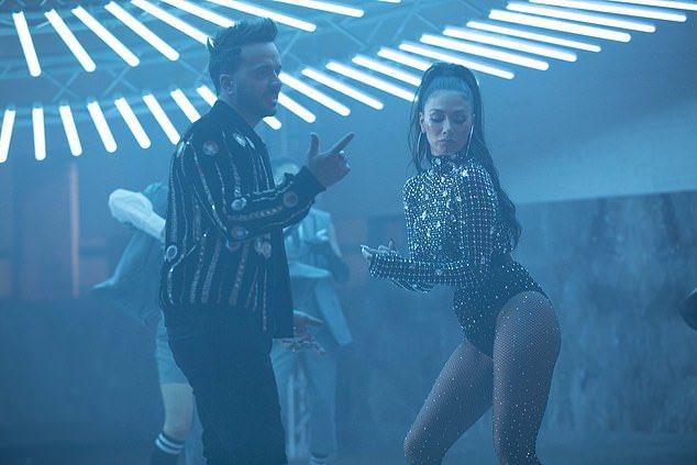 """Nicole Scherzinger Louis Fonsi She Is BINGO 6 - Николь Шерзингер и Луис Фонси выпускают сингл """"She's BINGO"""""""