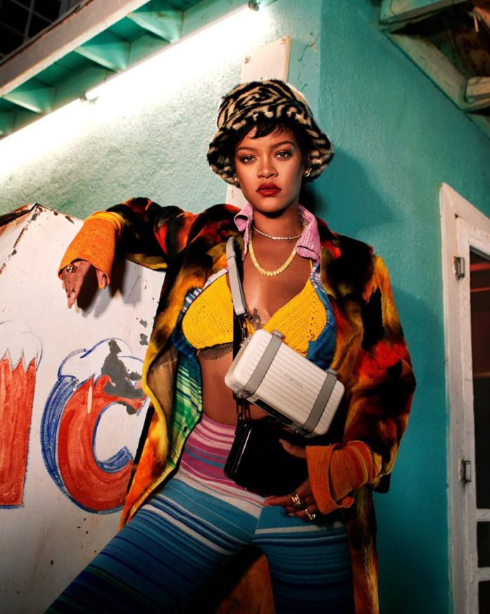 Rihanna Rimowa 2021 2 696x871 - Фото: Рианна для Rimowa