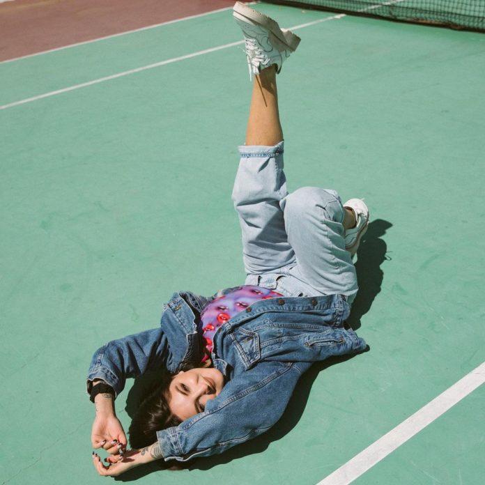 julia michaels 2021 696x696 - Julia Michaels - Good For You (Selena Gomez Demo)